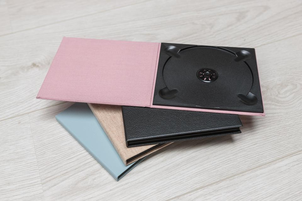 CD Case - Blossom (42) - Black Leather Look (6) - Crash (2) - Duck Egg (27)